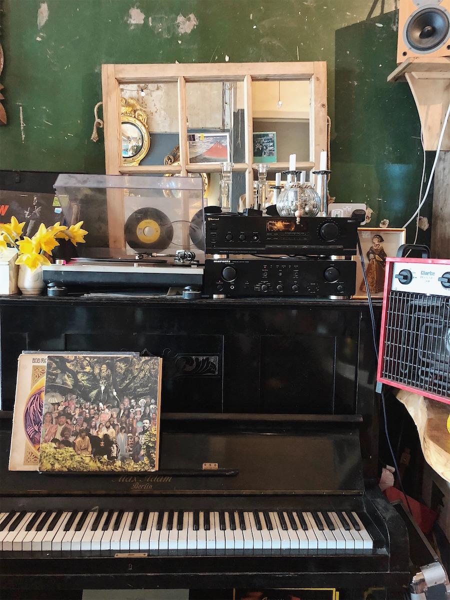 salvage cafe vintage coffee hove