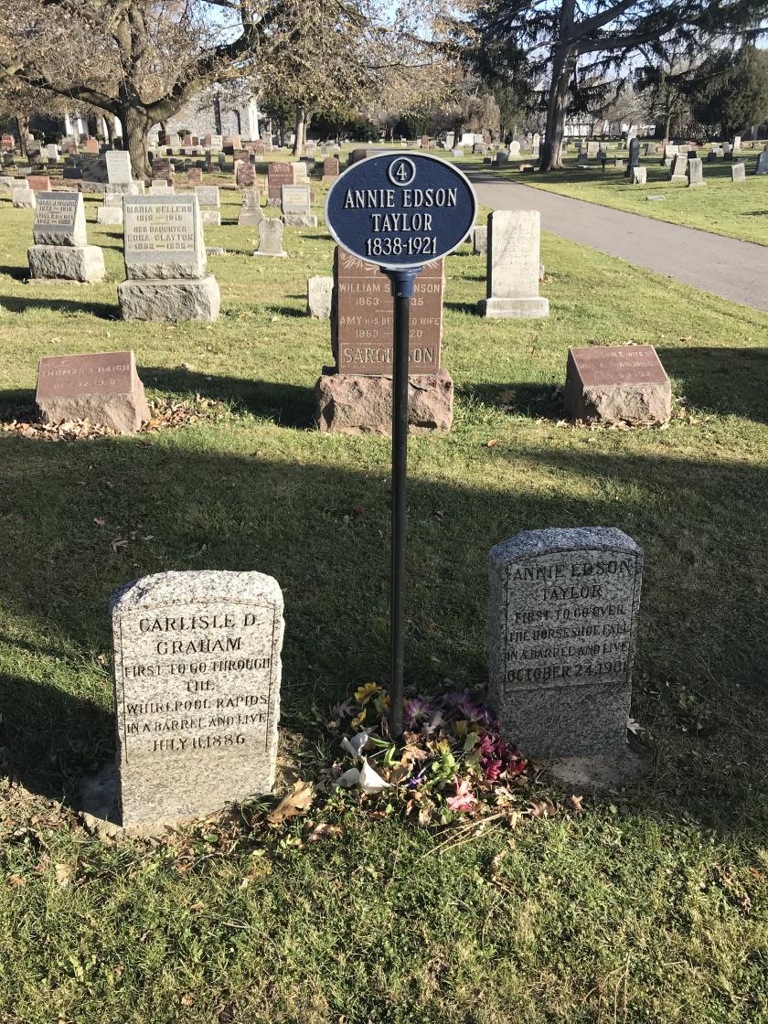 annie edson taylor's grave niagara falls