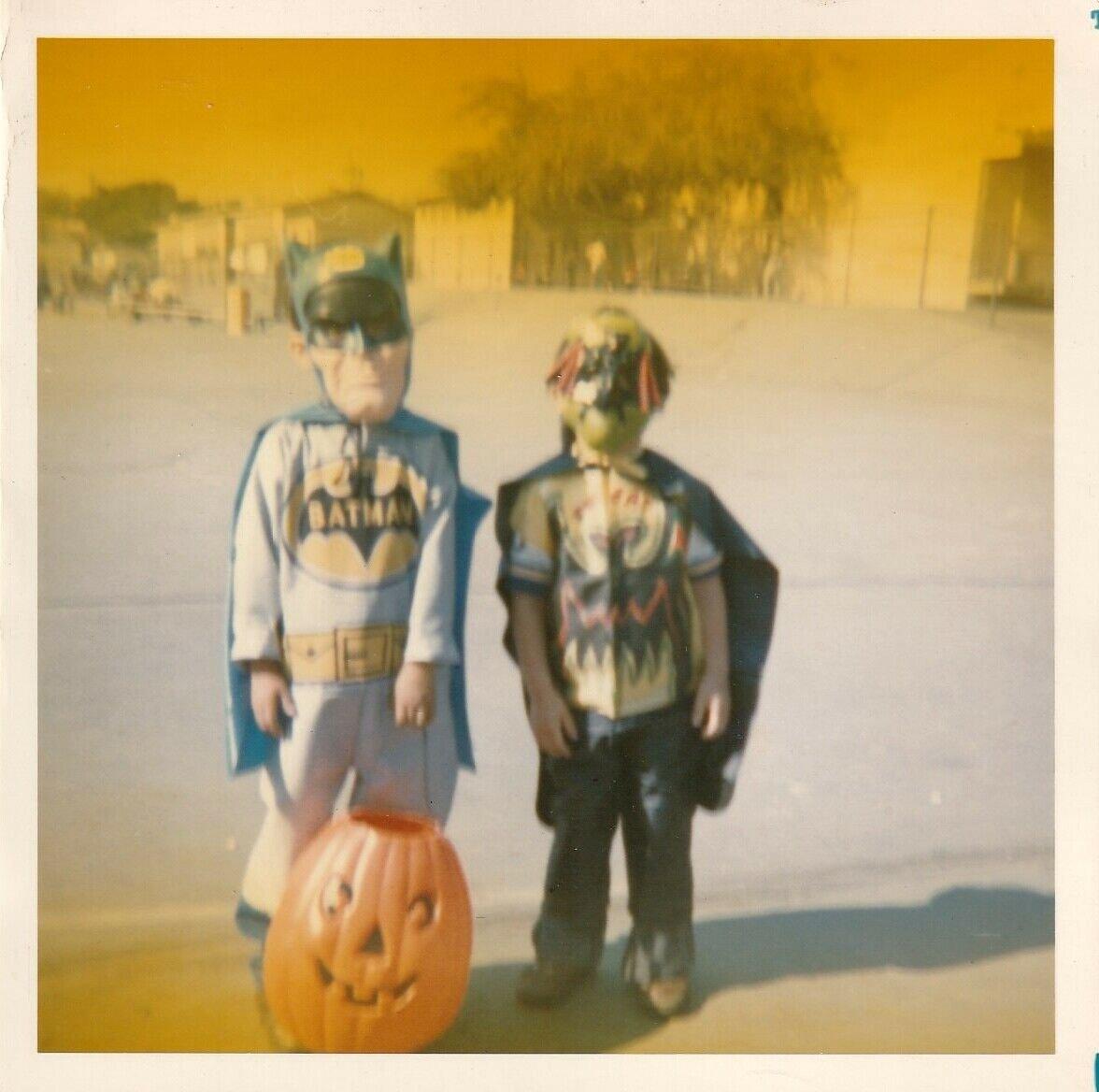 found family halloween photos