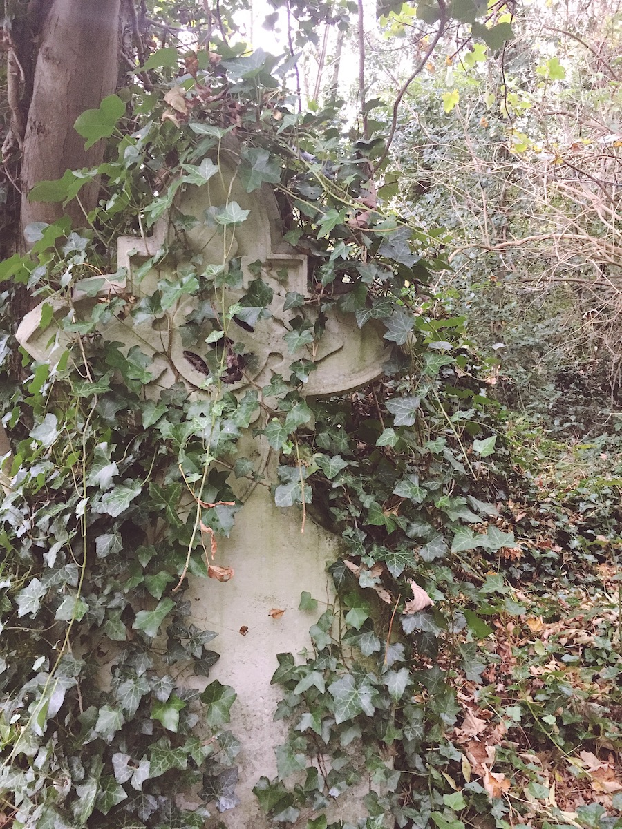 woodvale cemetery tomb trail