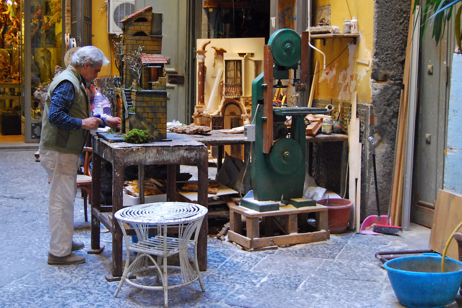 artisan at work christmas alley naples
